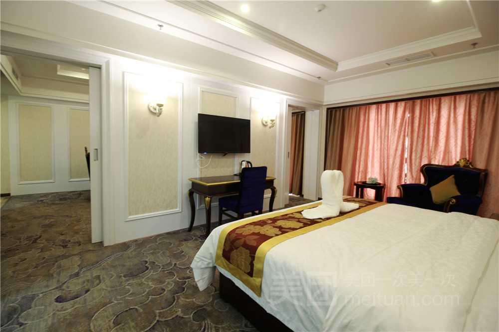 东坡名人大酒店