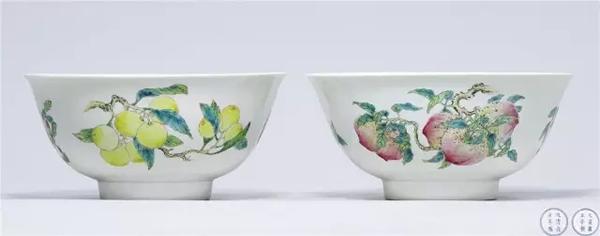 清雍正 粉彩瑞果三多暗刻龙纹大碗成对 成交价3220万元